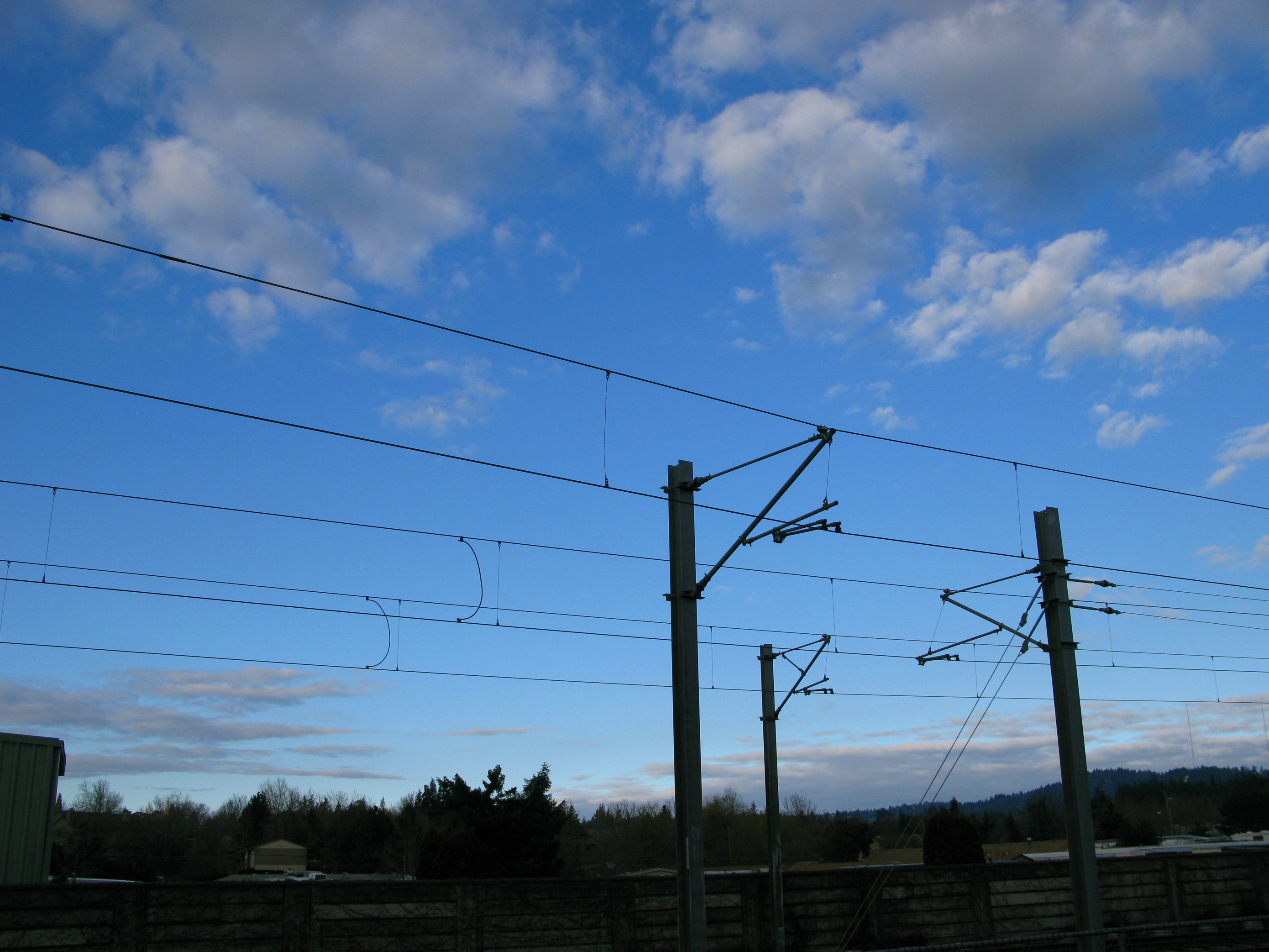 Pantographs and the Overhead Wire | MAX FAQs